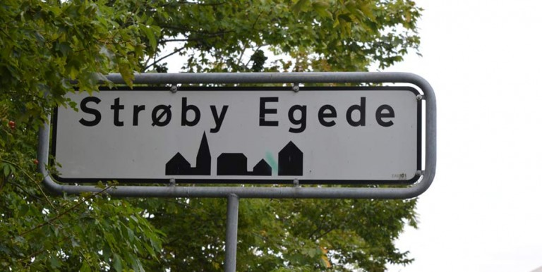 Strøby-Egede-Byskilt-